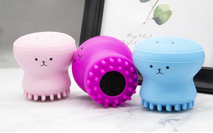 タコ型洗顔ブラシ